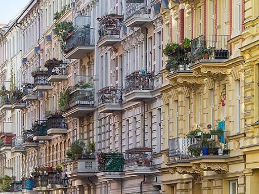 Darstellung Balkone Berlin mit Pflanzen